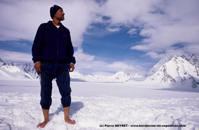 Jahangeer  à Snow Lake