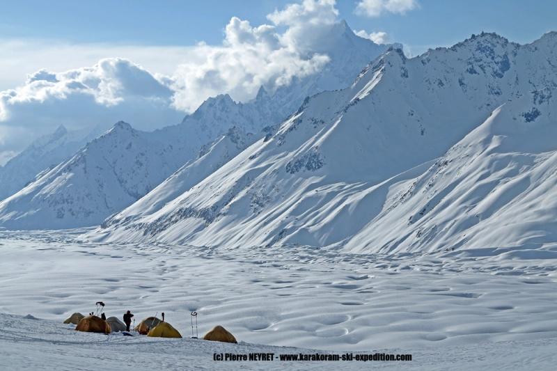 Le camp fabuleux au dessus du glacier d Hispar