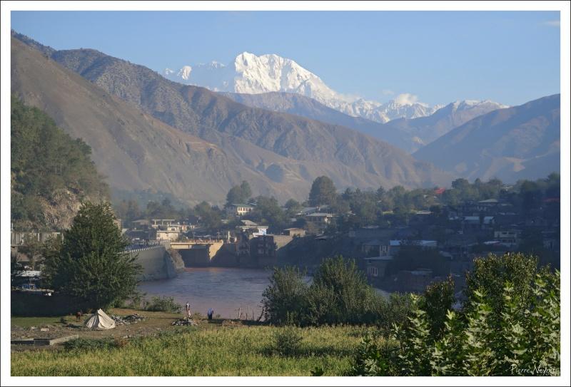 Chitral ville, sous le Tirich Mir 7708 m, roi de l Hindou Kouch