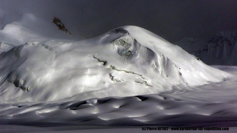 Courbes glaciaires sous le Hanispur