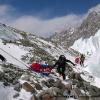 Portage sur le glacier de Braldu