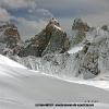 Ski devant les tours de Solu