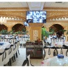 Restaurant ouighour avec ecrans de surveillance...