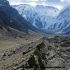 Moraine et glacier du Diamir avec le Nanga Parbat face nord ouest