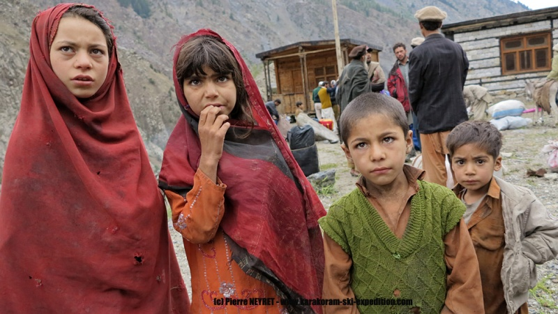 Enfants du village de Ser
