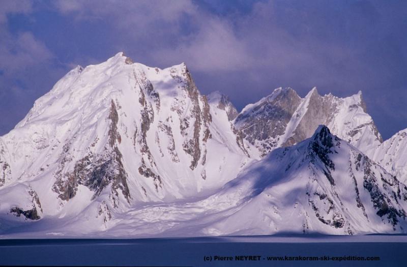 Sommet sans nom sur le Sim Gang glacier