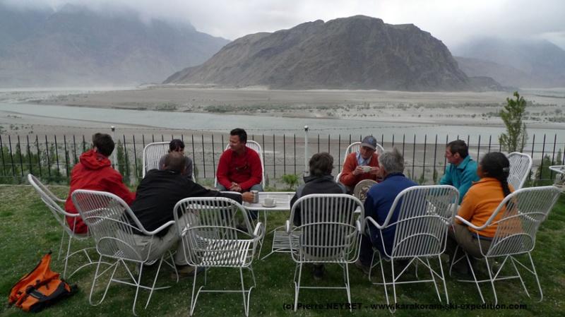 Skardu, tea à l aplomb de l Indus, british style, THE END