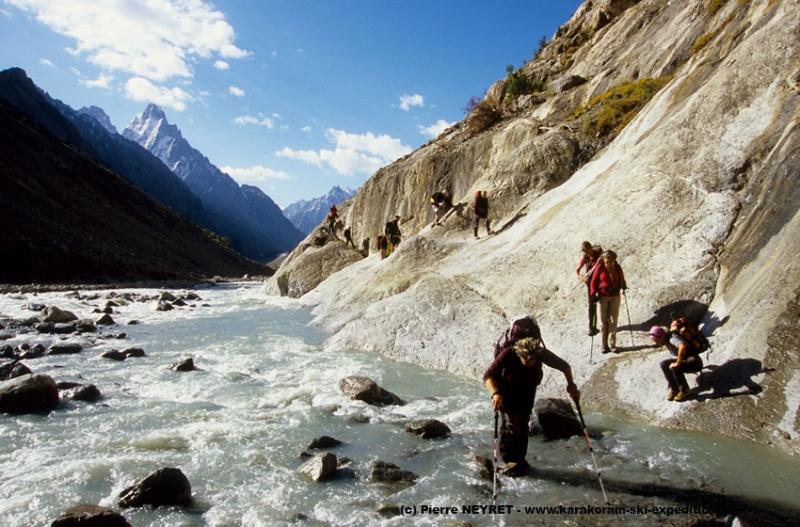Gué sur la rivière Karambar