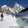 Ski matinal au pied du K2