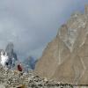 Vagues de pierres sur fond d aiguilles (Trango)